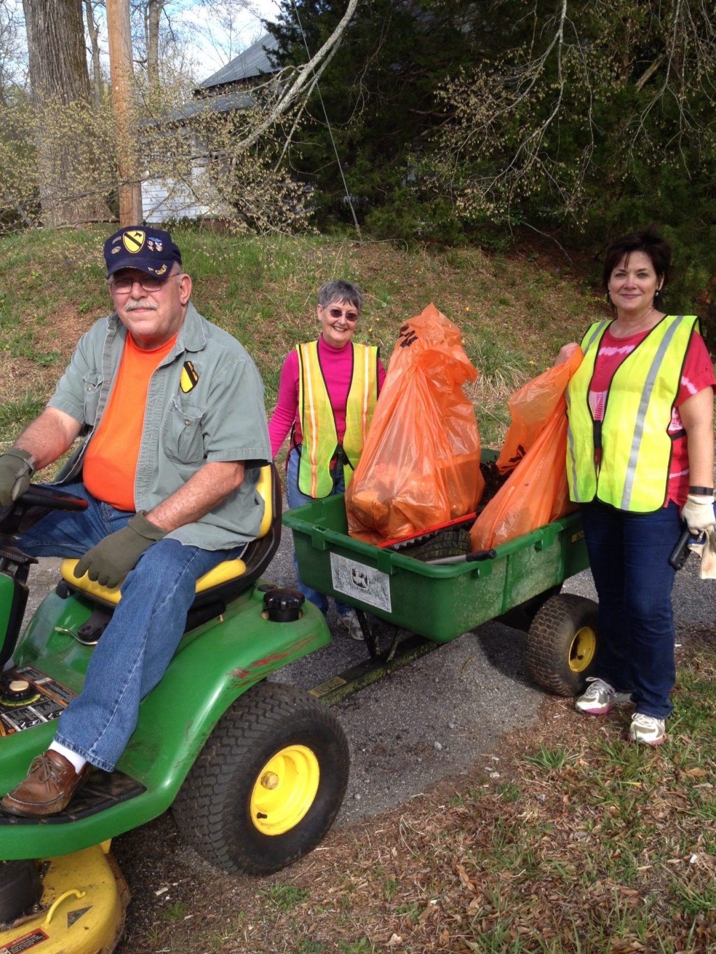 Volunteers are needed for our Spring Town-Wide Cleanup